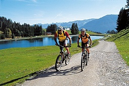 Mountain bike al lago di Filzalmsee