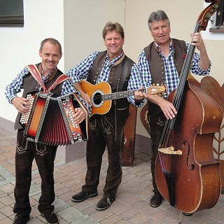 Trio Land Tirol at the Stöcklalm