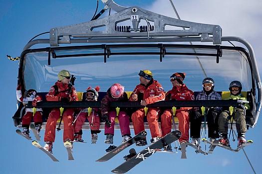 SkiWelt Scheffau & SkiWelt Ellmau : detachable 6-seater chair lift : Ellmi`s 6 seater ...